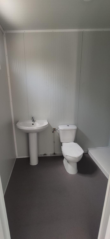 baños exteriores de panel sándwich