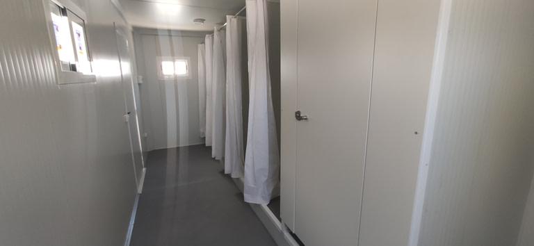 vestuarios prefabricados con duchas y wc