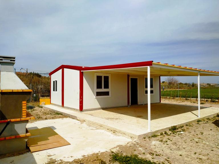 vivienda prefabricada con porche
